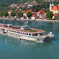 CRUISE LINE SPOTLIGHT | Crystal River Cruise Line | Mozart